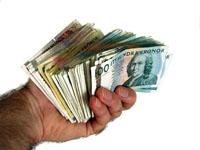 Pengar under bordet